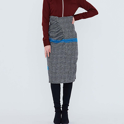 Le 415 - High waisted skirt with gathers and seam detailing