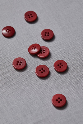 Plain Corozo Button 15 mm - Berry