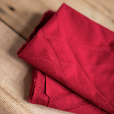 REMNANT 30x180 // Organic Wave Jacquard - Berry Red